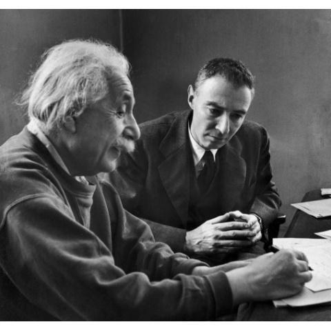 アインシュタインからオッペンハイマーへ