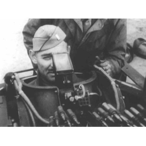 スタア戦場へ 資料映像