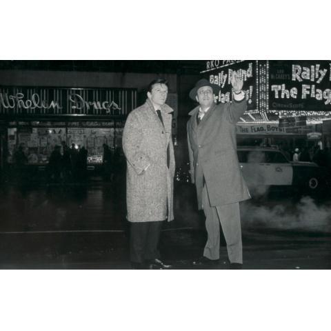 マンハッタンの二人の男