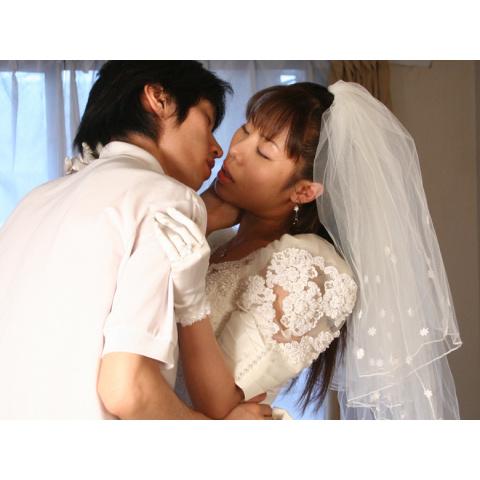 北川明花/隣の女 逃げてきた花嫁(R15版)